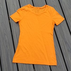 Express Feather Weight Tee Size Small